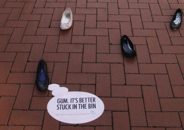 Dublin shoes publicis ambient marketing street chewing gum stuck alternatif 3