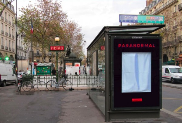 Paranormal film sortie france abri bus JCDecaux mobilier urbain outdoor alternatif marketing media