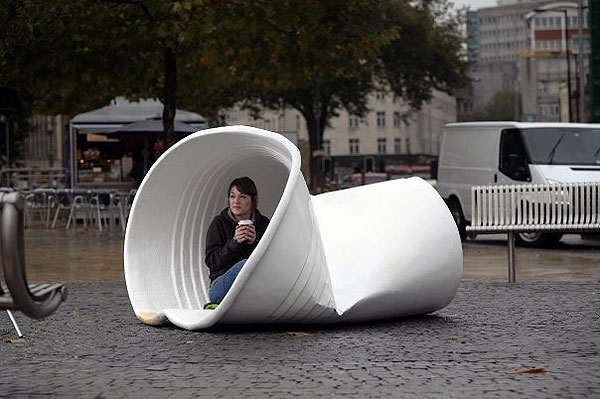 panasonic lumix 8x street ambient alternatif alternative marketing london londres object gigantesque 3