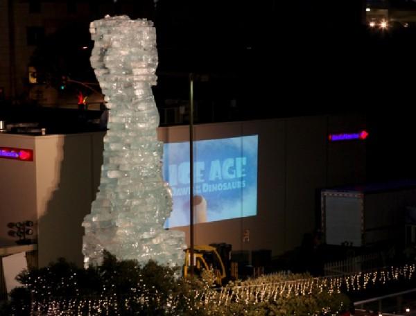 santa monica ice age l'age de glace scrat statue sculpture glace DVD 2