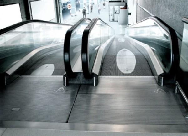 surf revista revue magazine ambient marketing alternatif alternative escalator tapis roulant ride 1