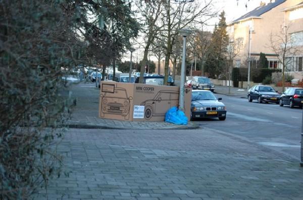 Mini Cooper Amsterdam ambient guerilla marketing street paquet cadeau emballage alternatif rue 3