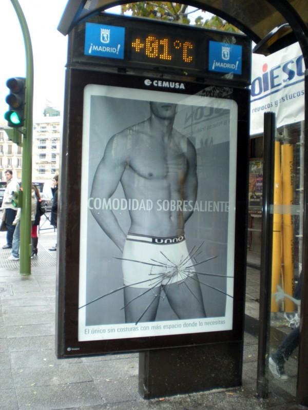 Unno outdoor affichage caleçon boxer homme nu confort extrême sticker trompe l'oeil espagne madrid 1