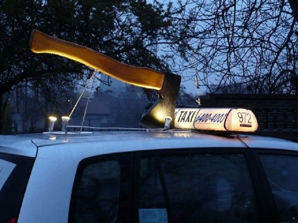 mbank ambient marketing taxi outdoor billboard hache pologne varsovi 3