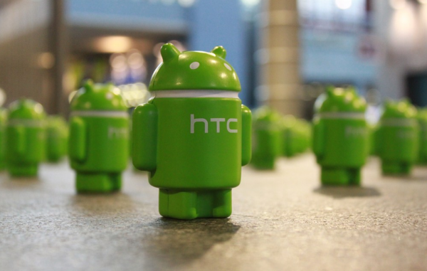 A Green Android Sneaks into CES, Invasion Android