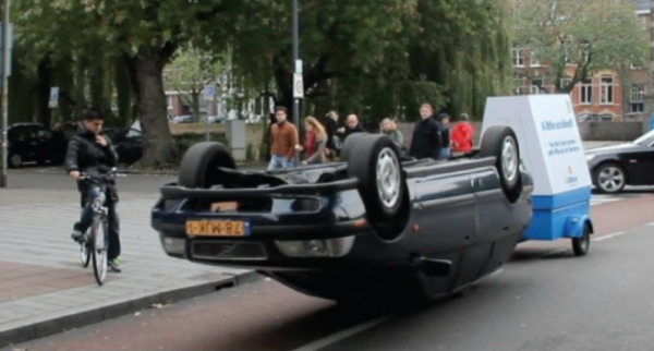 allsecure-ogilvy-amsterdam-voiture-car-roof-toit-PR-stunt-ambient-marketing-cannes-lions-bronze-2-600x322