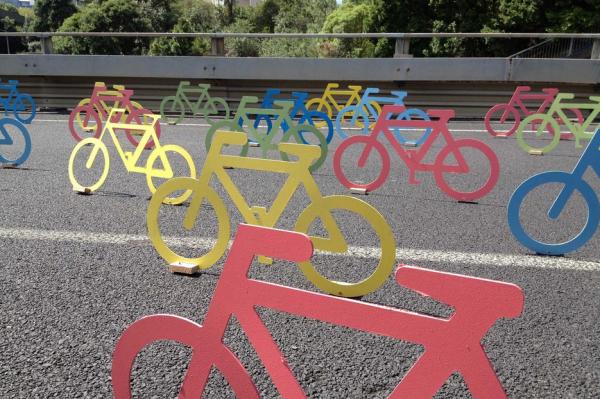 urbis designday 2013 ambient marketing art installation bike color resene matter auckland road 3