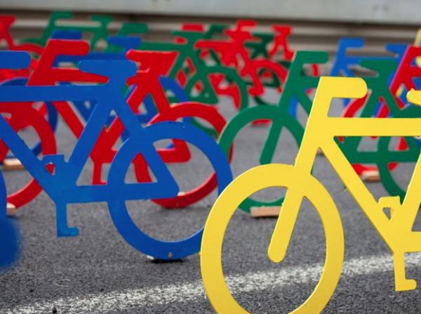 urbis designday 2013 ambient marketing art installation bike color resene matter auckland road 7